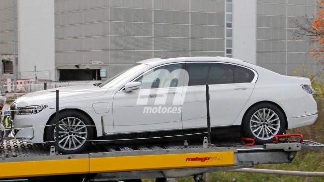 BMW i7 - foto espía lateral