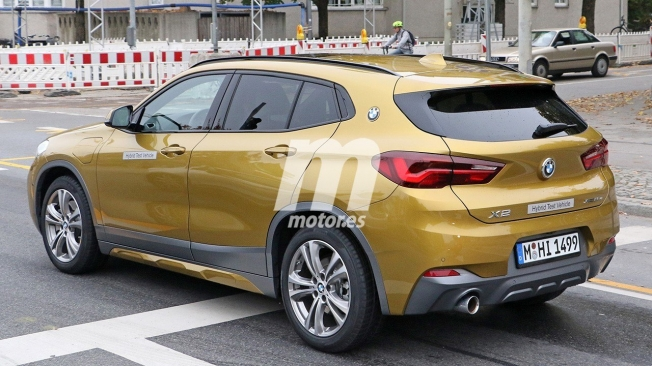 BMW X2 xDrive25e - foto espía posterior
