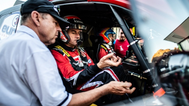 Fernando Alonso acaba cuarto en la primera etapa del Ula Rally