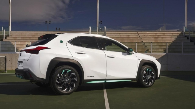 Lexus UX 250h Tennis Cup Edition - posterior