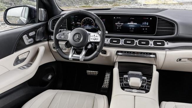 Mercedes-AMG GLE 63 4MATIC+ 2020 - interior