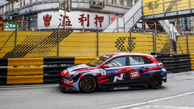 Michelisz y Huff se reparten los libres del WTCR en Macao