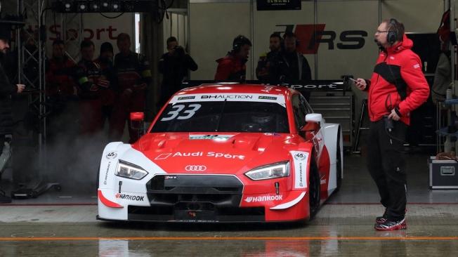 La niebla y la lluvia marcan los libres de la 'Dream Race' del DTM