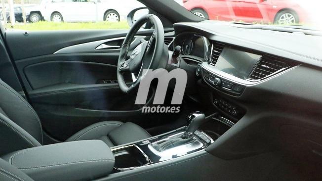 Opel Insignia 2020 - foto espía interior
