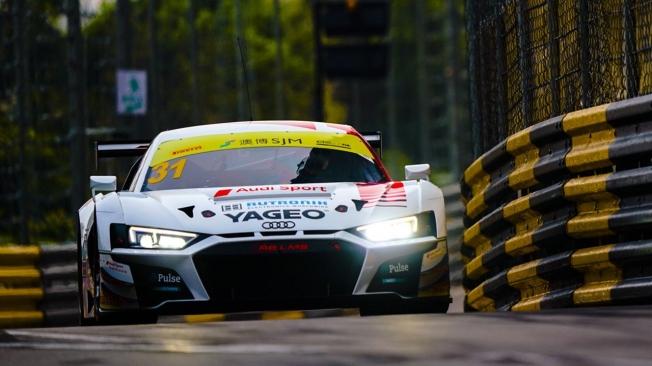 Porsche manda en la FIA GT World Cup al ritmo que marca 'Bamthor'