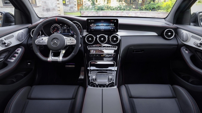 Mercedes-AMG GLC 63 4MATIC+ - interior