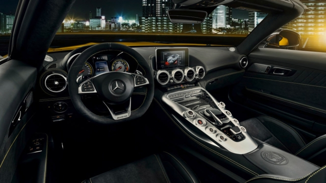Mercedes-AMG GT S Roadster - interior