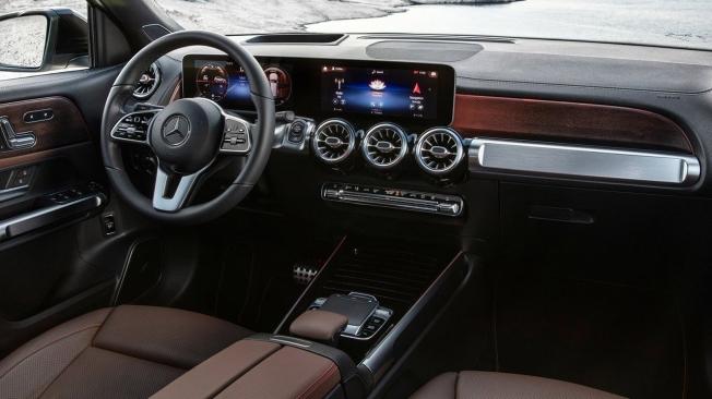 Mercedes GLB - interior