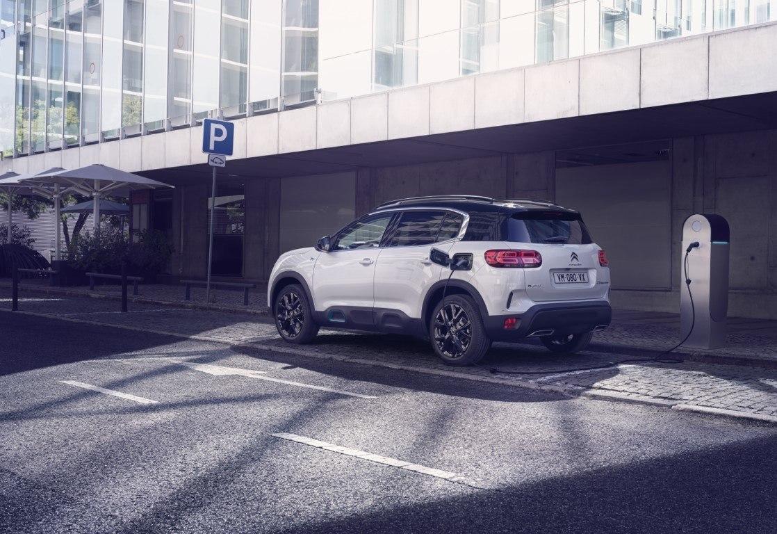 Debuta el nuevo Citroën C5 Aircross Hybrid, el primer híbrido enchufable llega en 2020
