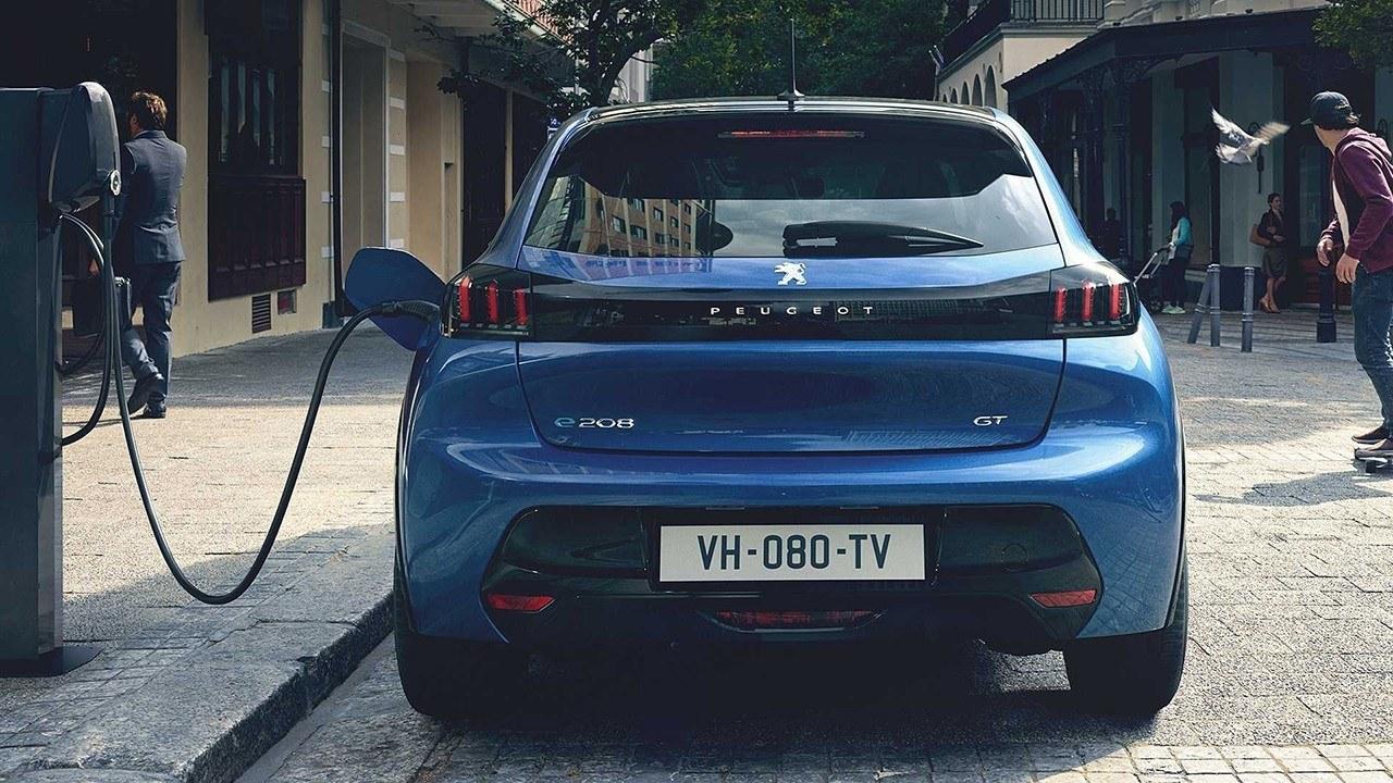 PSA explica la ventaja de los coches eléctricos sobre su elevado coste de producción