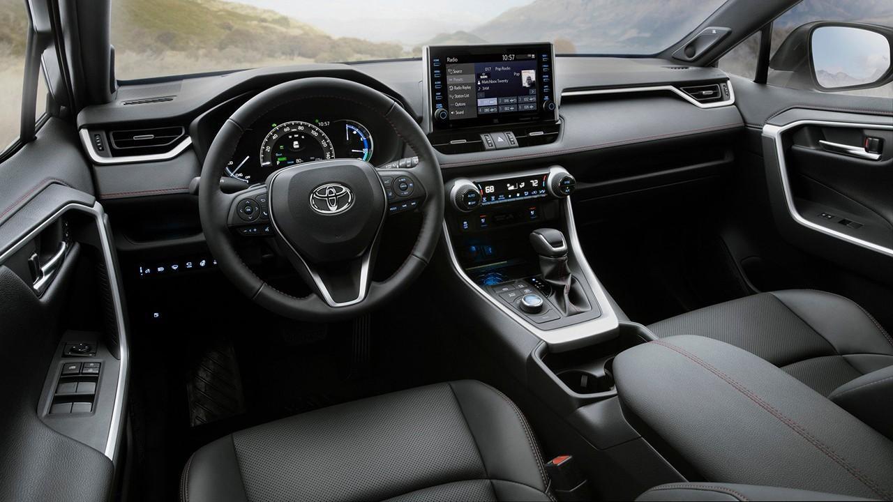 Toyota RAV4 mk5 (2018) 10