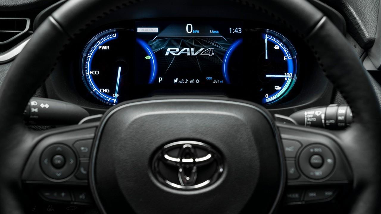 Toyota RAV4 mk5 (2018) 11