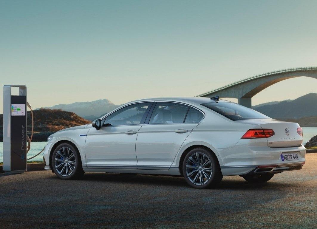 Volkswagen reconoce que los híbridos serán los líderes en la próxima década