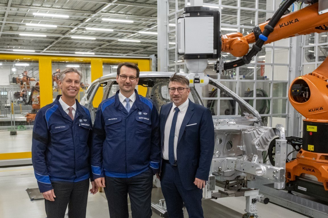 BMW destina una inversión multimillonaria para la producción del SUV eléctrico iNext