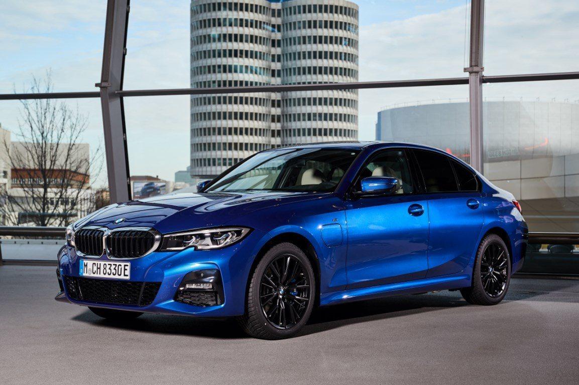 BMW alcanza un nuevo récord de producción: 500.000 unidades de híbridos y eléctricos