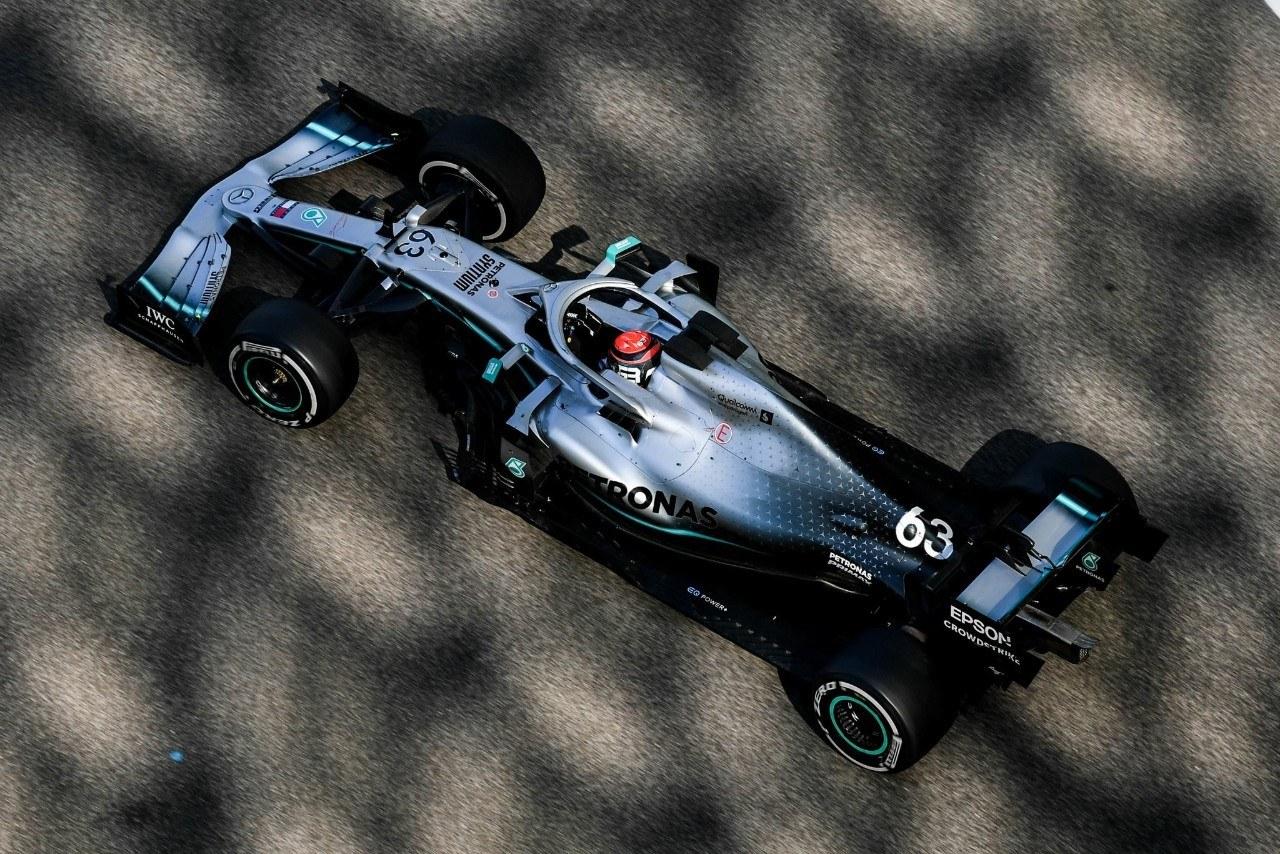 Russell lidera con Mercedes y Ferrari cierra 2019 contra el muro