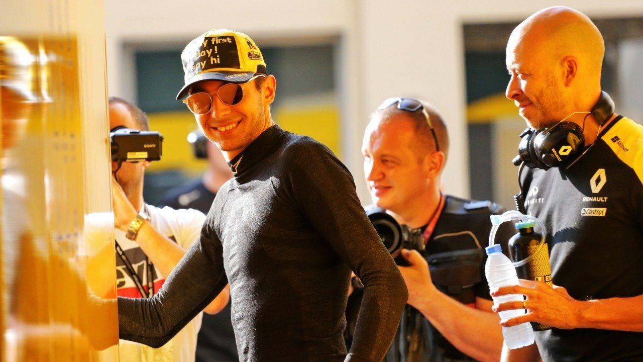 """Ocon valora su primer día con Renault: """"Ha sido crucial, me ayudará mucho"""""""