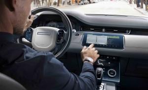 Los modelos de Jaguar Land Rover mejoran equipamiento con actualizaciones por aire