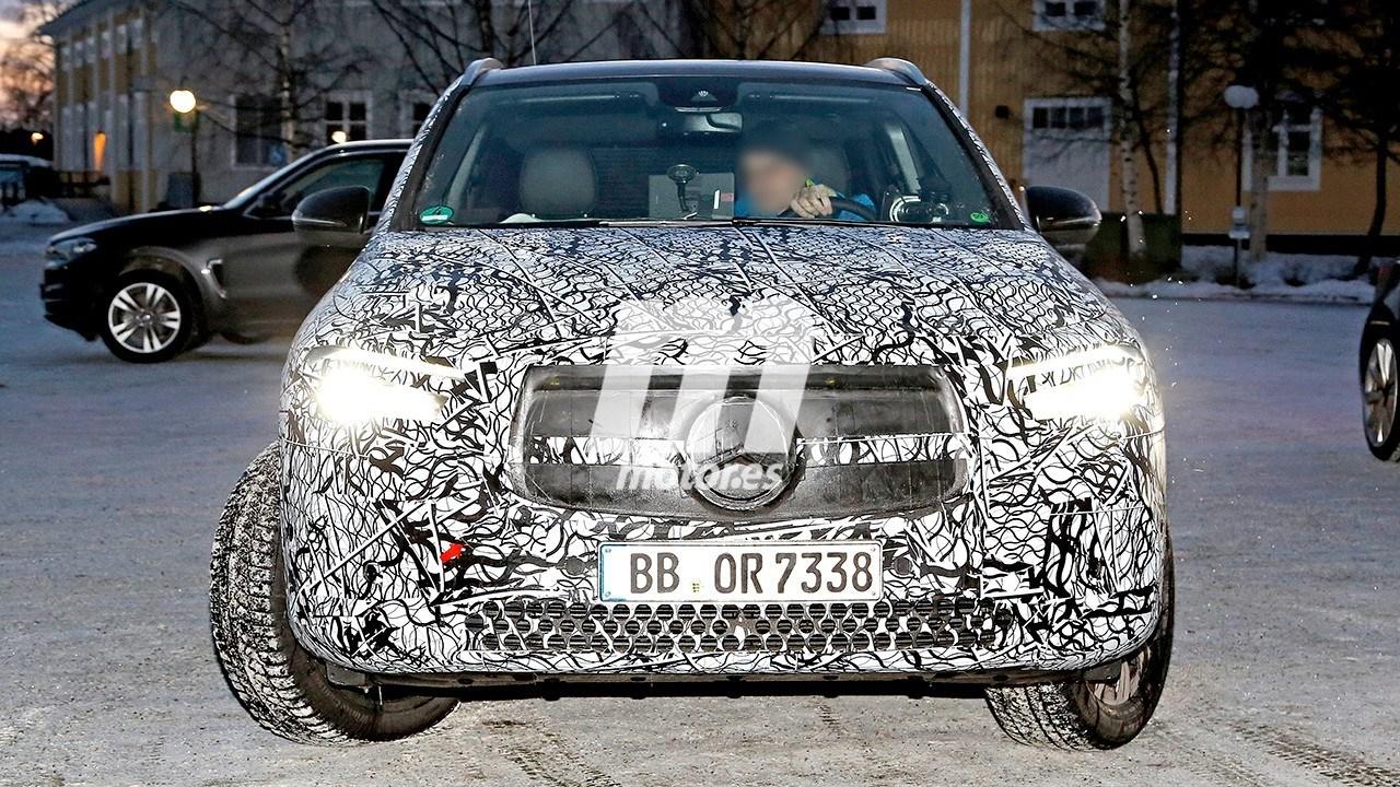 Primeras fotos espía del nuevo Mercedes EQA 2021 en las pruebas de invierno