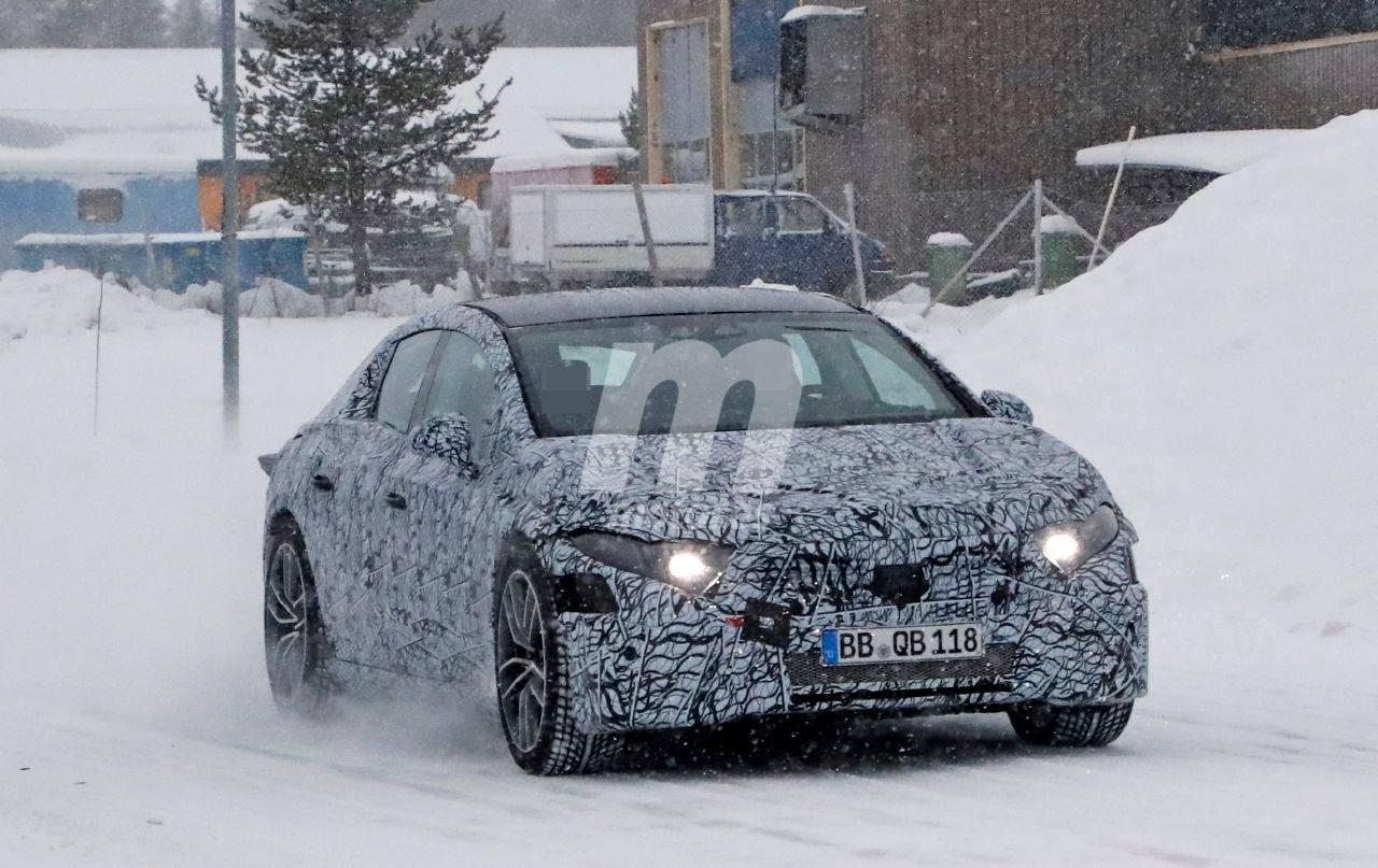 Los prototipos del nuevo Mercedes EQS 2021 comienzan las pruebas de invierno