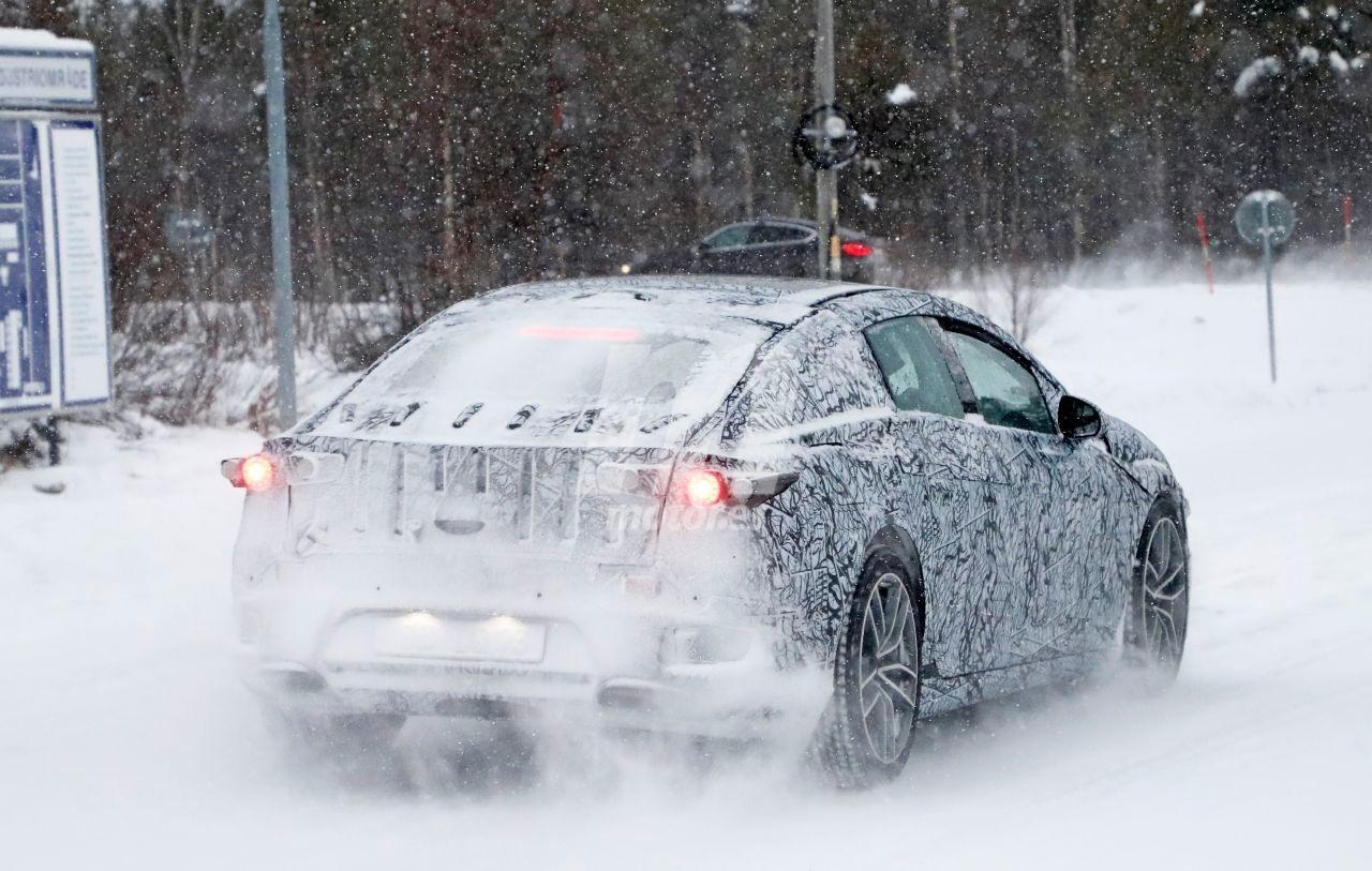 2022 Mercedes-Benz EQS 12