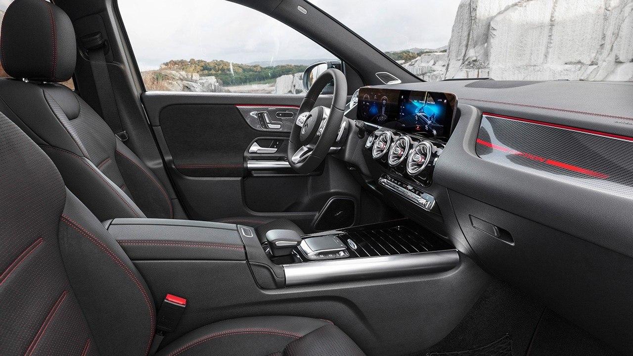 Mercedes-Benz GLA II (2019) 10
