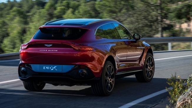 Aston Martin DBX - posterior