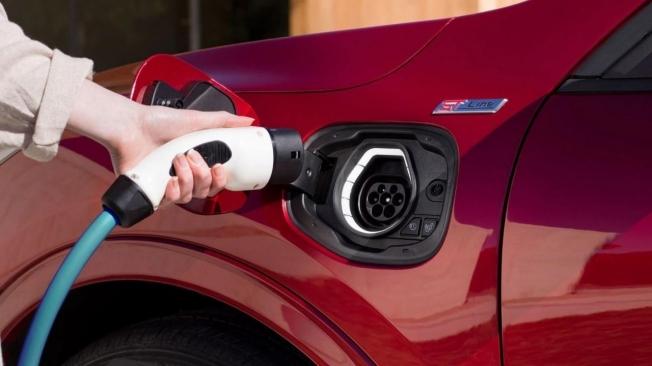 Ford Holanda pone precio al nuevo Explorer Híbrido Enchufable, a la venta en 2020 Ford-explorer-hibrido-enchufable-precio-holanda-201963518-1577118542_3