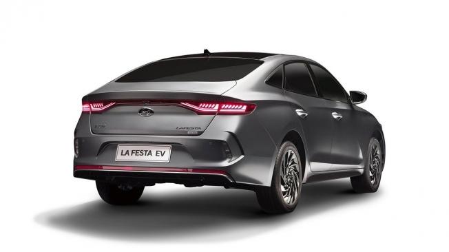 Hyundai Lafesta EV - posterior
