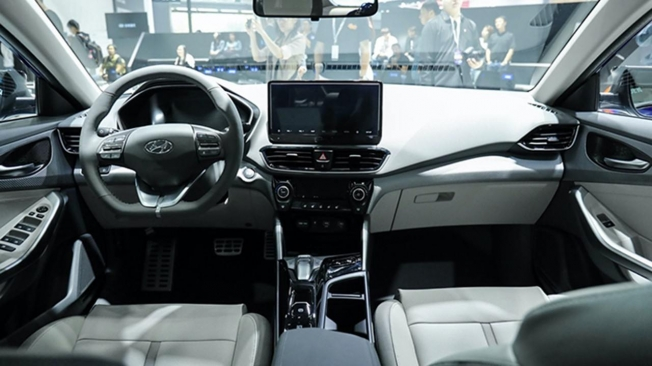Hyundai Lafesta EV - interior