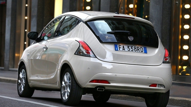 Lancia Ypsilon - posterior