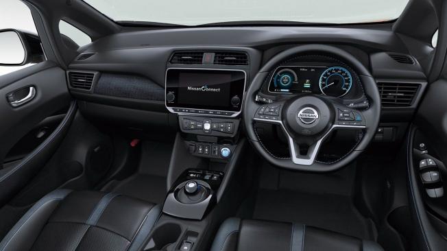 Nissan Leaf 2020 - interior