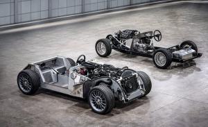 Morgan inicia una nueva era con una plataforma de aluminio y tecnologías híbrida y eléctrica