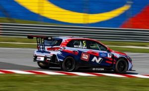 Norbert Michelisz conquista la primera pole del WTCR en Sepang