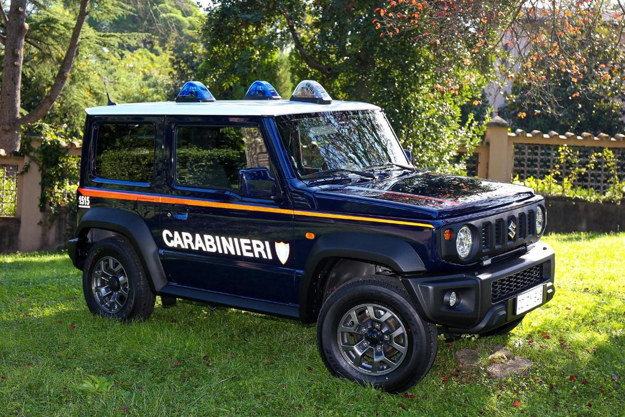 El Suzuki Jimny se viste con el uniforme de los Carabinieri