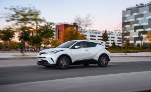 España - Noviembre 2019: El Toyota C-HR coge impulso