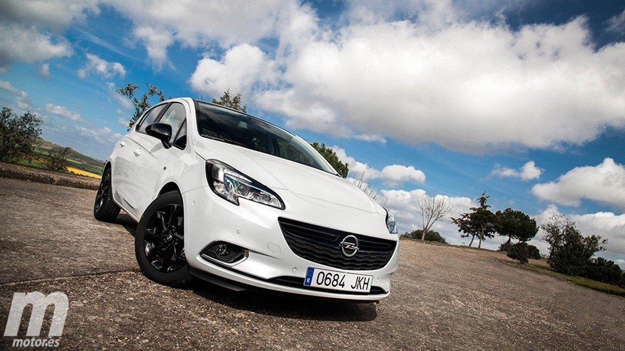 Reino Unido - Noviembre 2019: El Opel Corsa obtiene una clara victoria