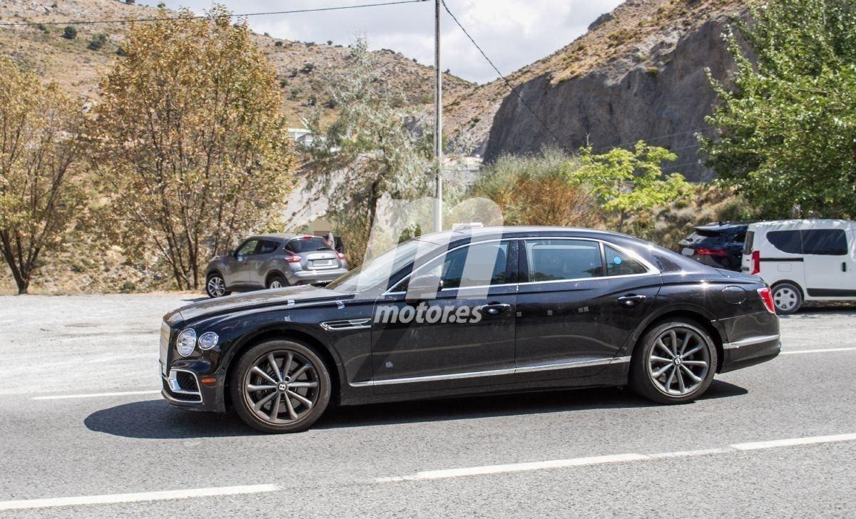 Bentley sitúa el Flying Spur como tope de gama, confirmando el híbrido para 2023
