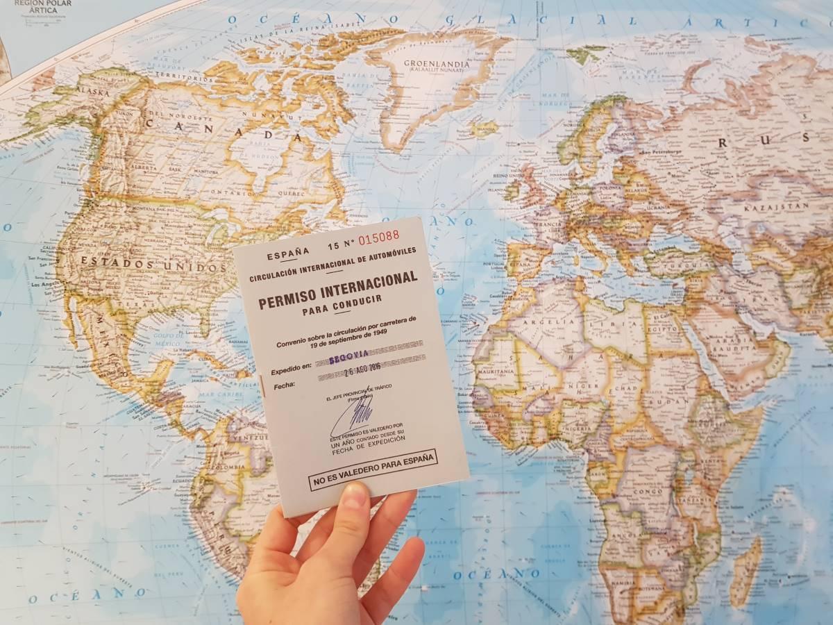 Carnet de conducir internacional: cómo conseguirlo y dónde lo necesitas