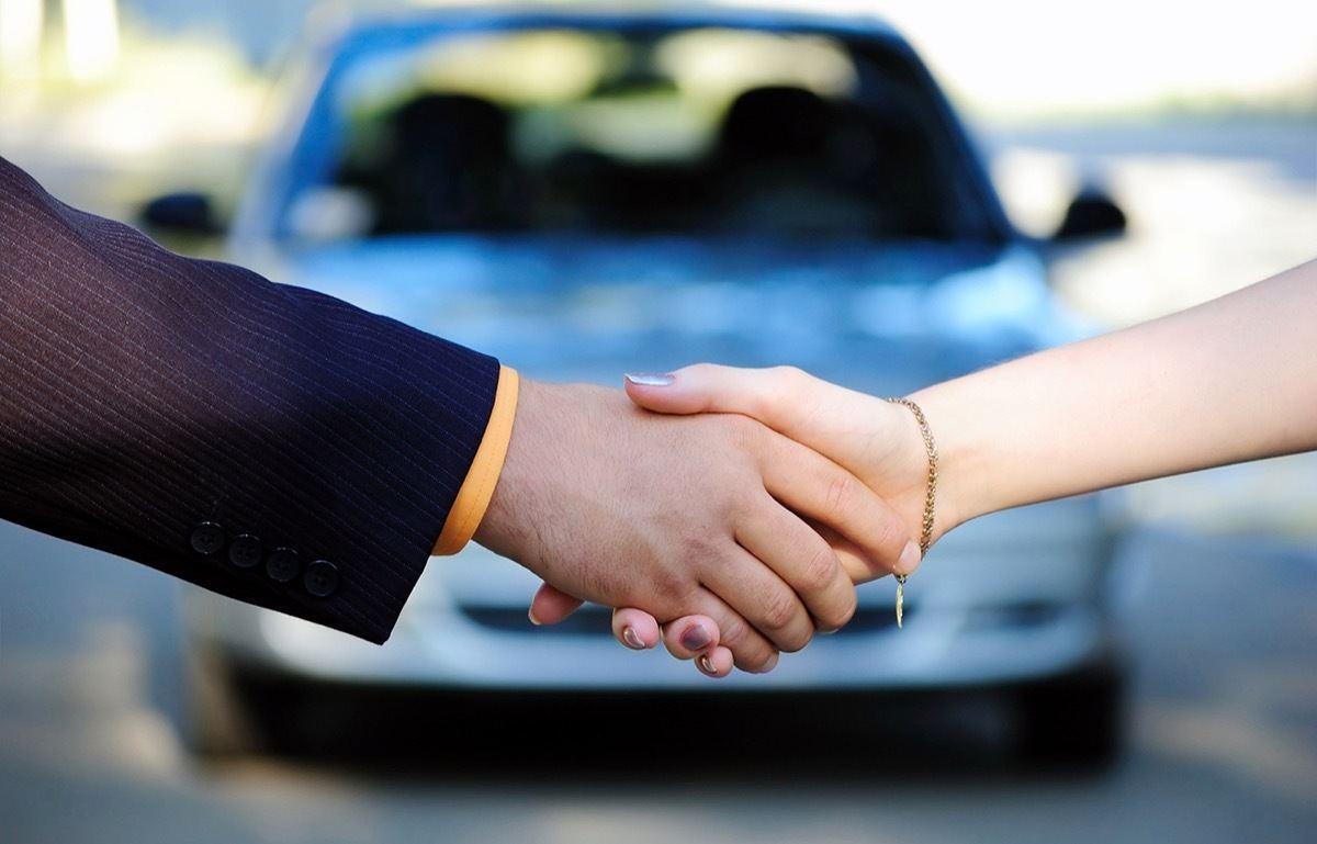 Descarga este modelo de contrato si vas a comprar o vender un coche