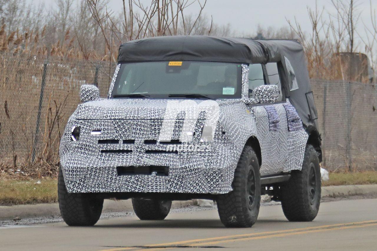 Estas fotos espía muestran al Ford Bronco con un aspecto off-road similar al del Raptor