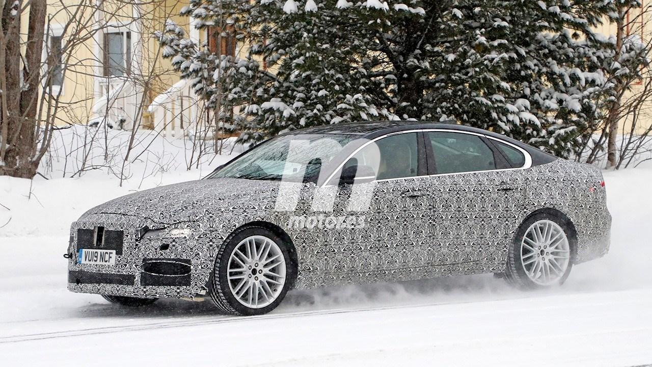 2020 Jaguar XF Restyling 24