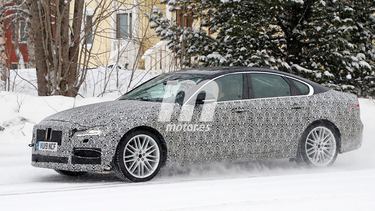 2020 Jaguar XF Restyling 25