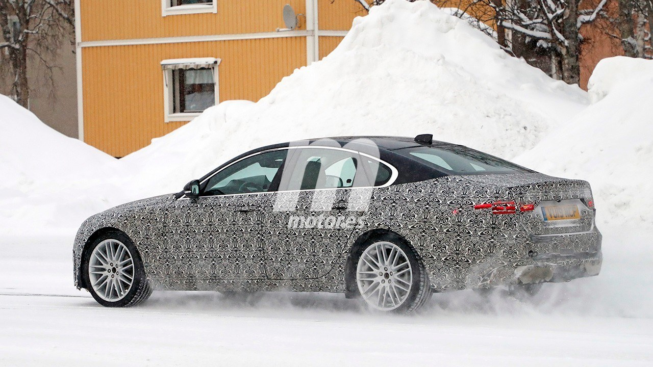 2020 Jaguar XF Restyling 32