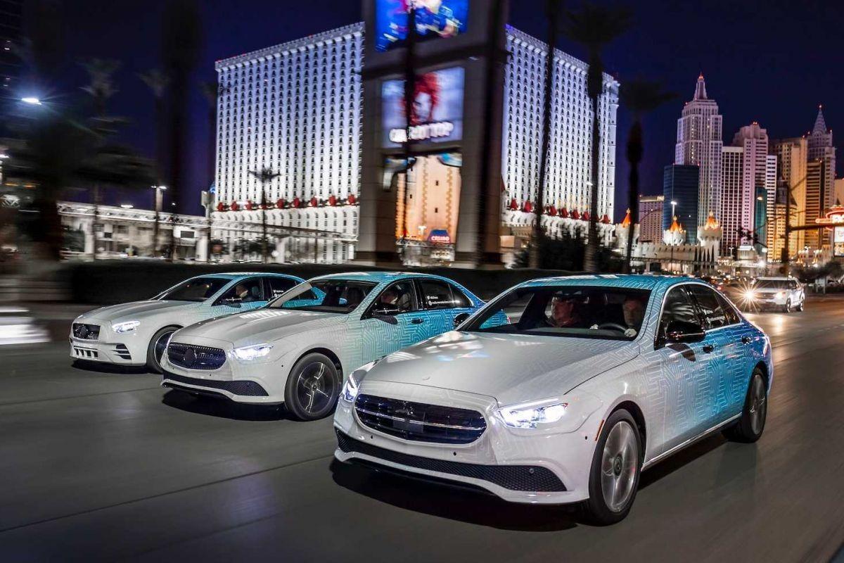 El Mercedes Clase E 2020 comienza a destaparse en unos teaser oficiales