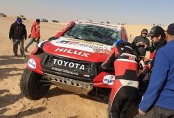 Fuerte accidente de Fernando Alonso en la etapa maratón del Dakar