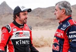 """Carlos Sainz: """"A poco que le encaje, Alonso volverá al Dakar"""""""