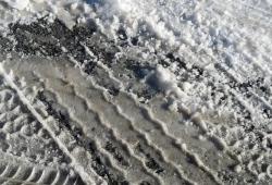 Conducir con nieve y hielo: todo lo que debes saber para viajar con seguridad