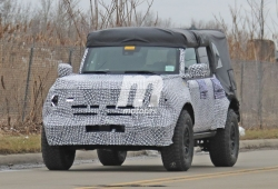 Estas fotos espía muestran al Ford Bronco con un aspecto off-road similar al del Raptor