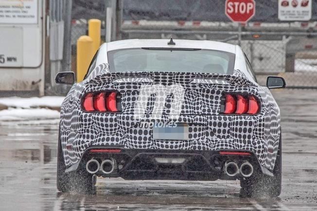 Ford Mustang Mach 1 - foto espía posterior